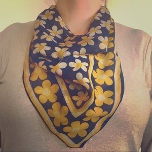Vintage blue & yellow daisy square scarf